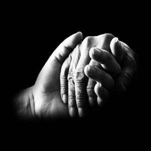 hands-699486_640 thumb