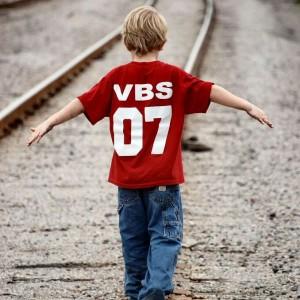 boy-on-track-balancing-1432077