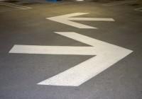 parking structure arrows